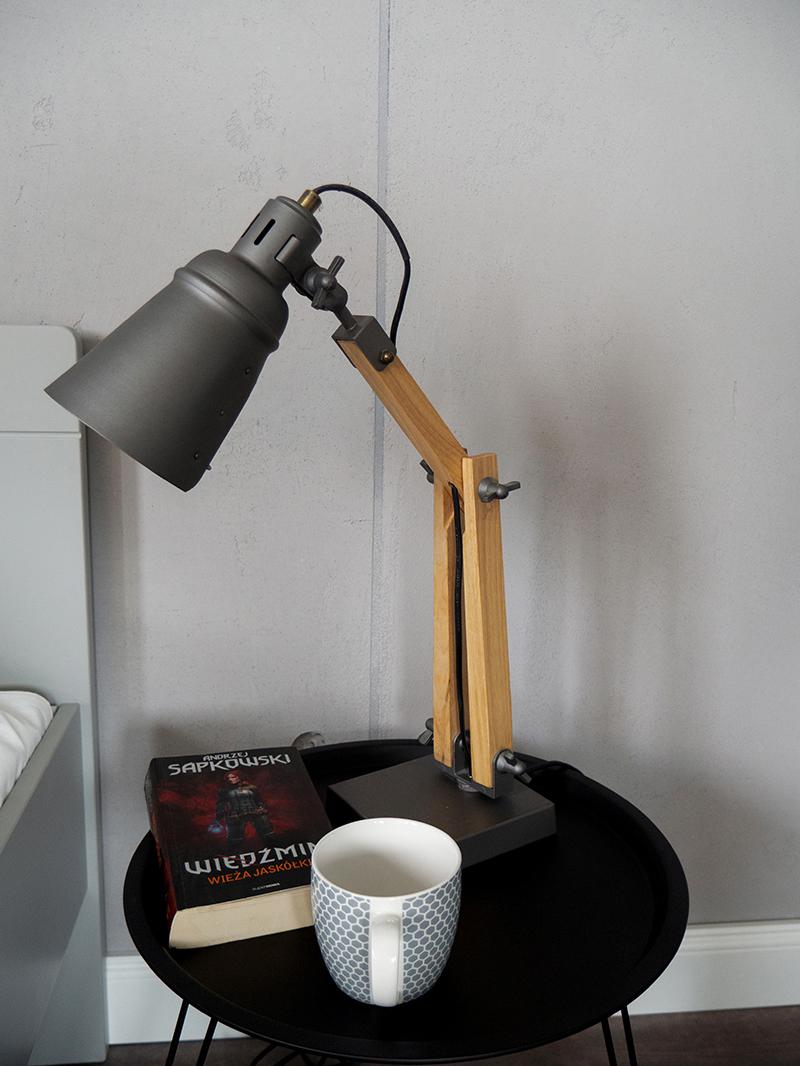 Lampka do pokoju młodzieżowgo